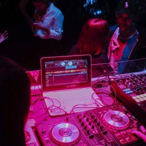 Quel est le matériel du DJ ?